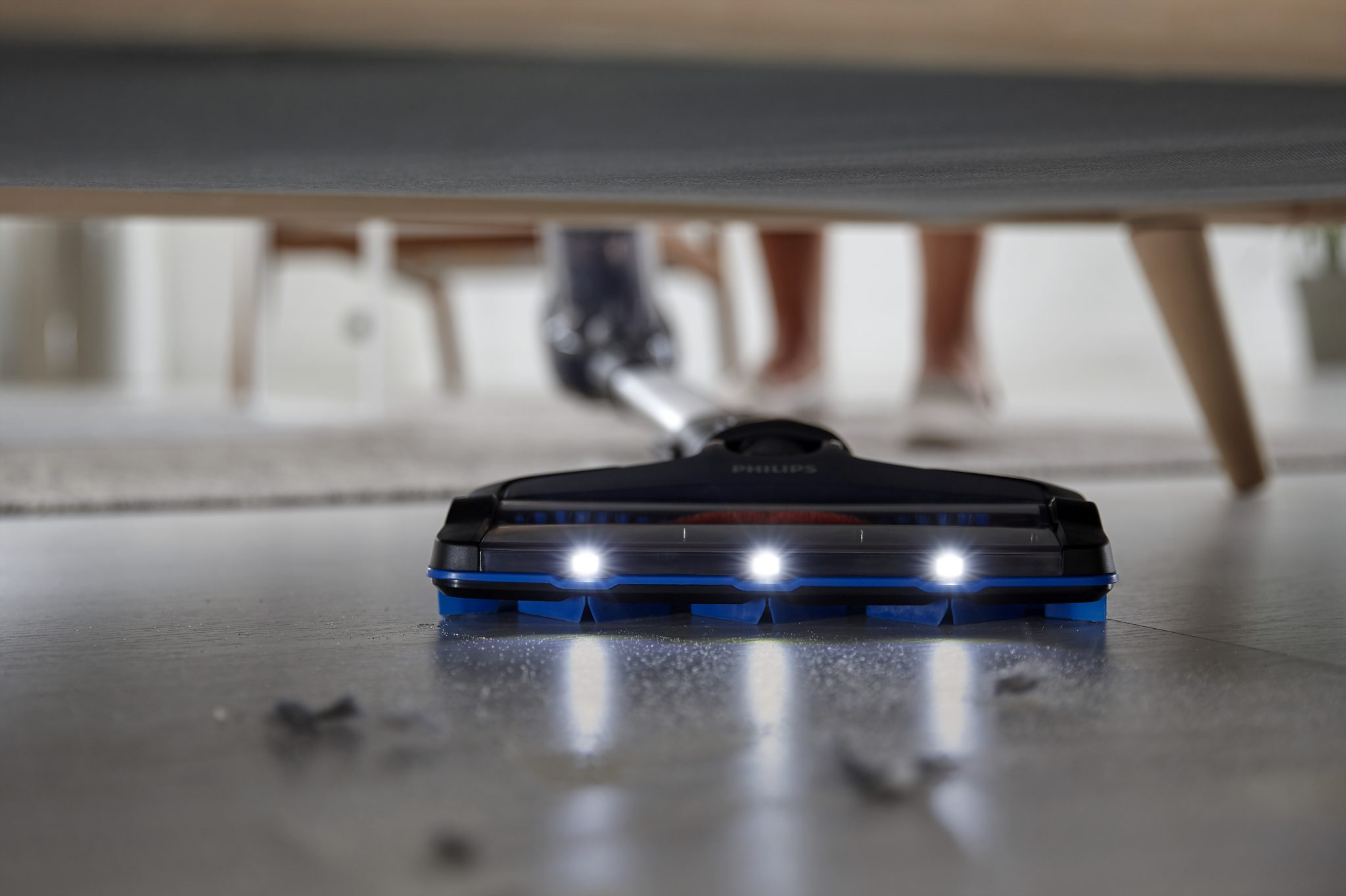 Philips Speedpro: Under the table