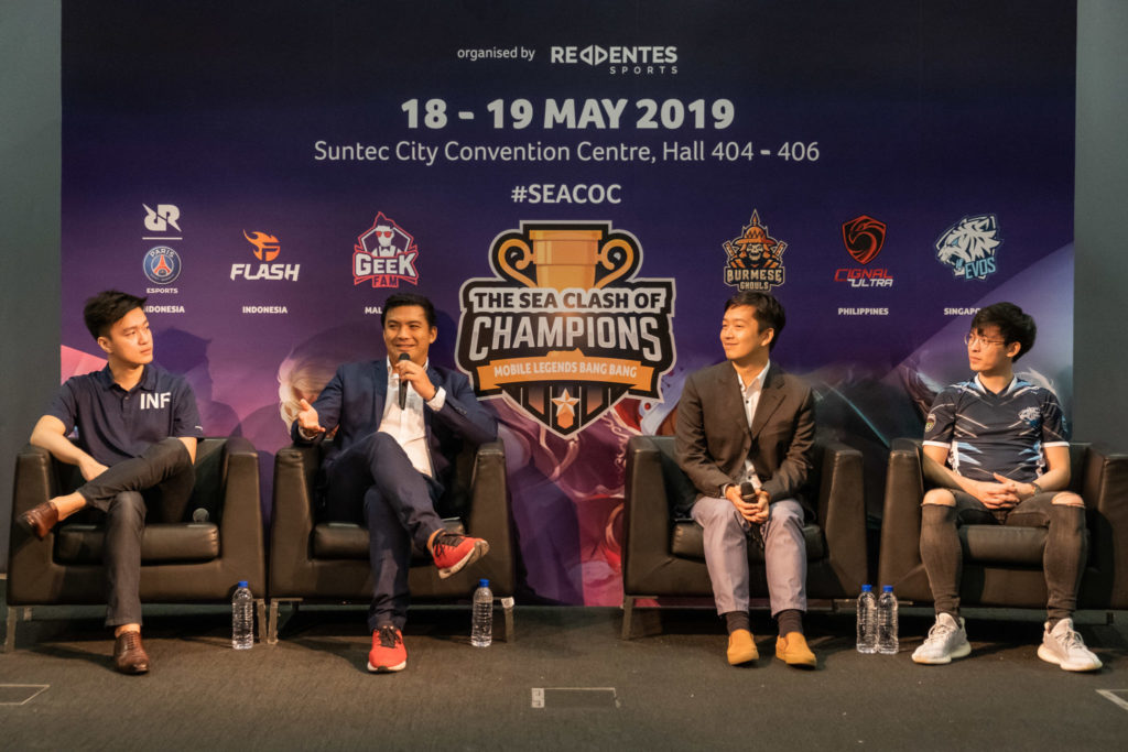 SEACOC organizer and Mobile Legends top players on stage
