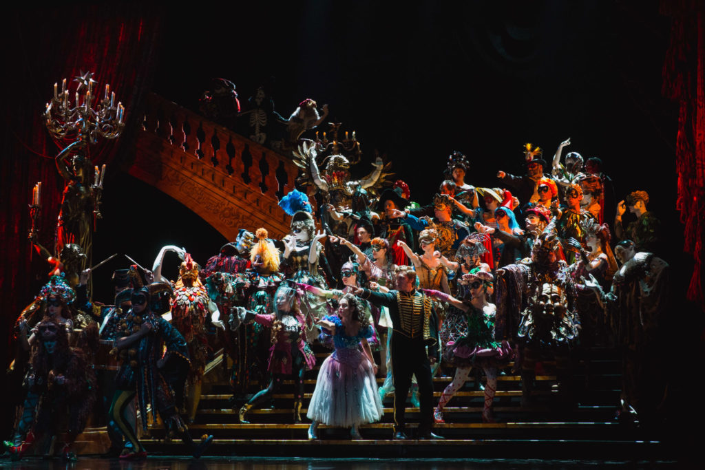 phantom of the opera review - masquerade