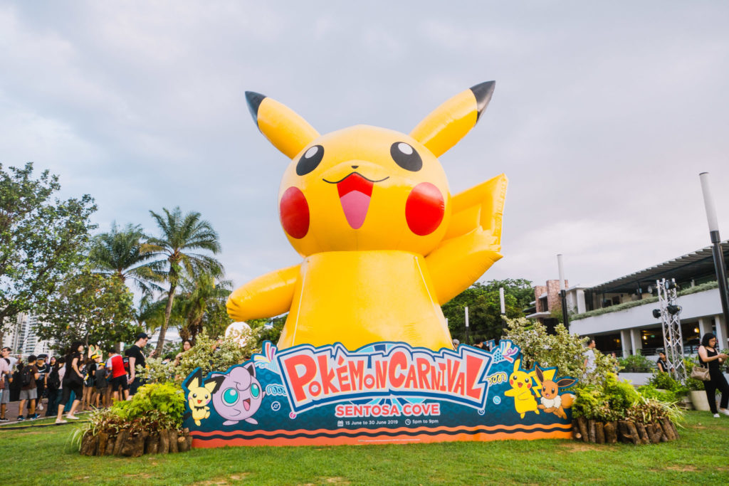 Pokemon Carnival - Pikachu inflatable