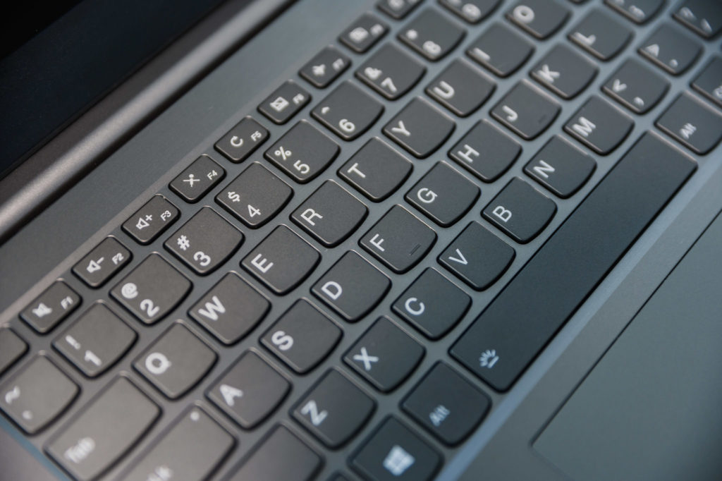 Thinkbook 14: Keyboard and Touchpad