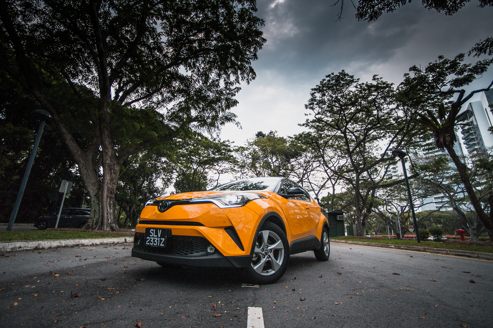 Toyota C-HR: Front Perspective