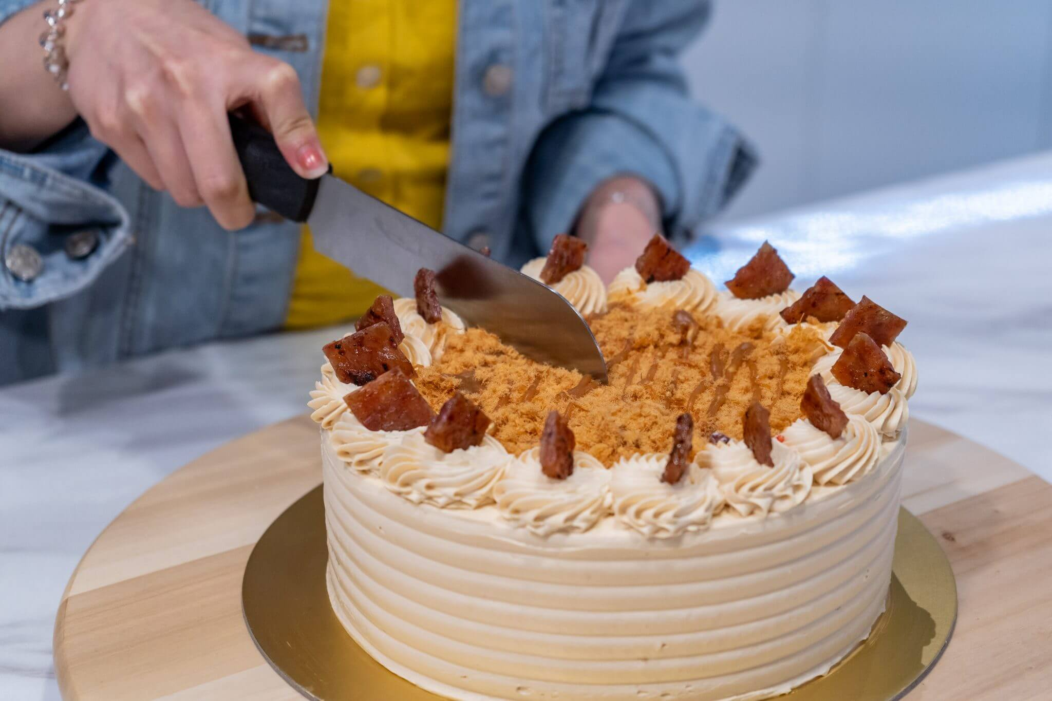 Cakerholic: Taking a slice of the cake