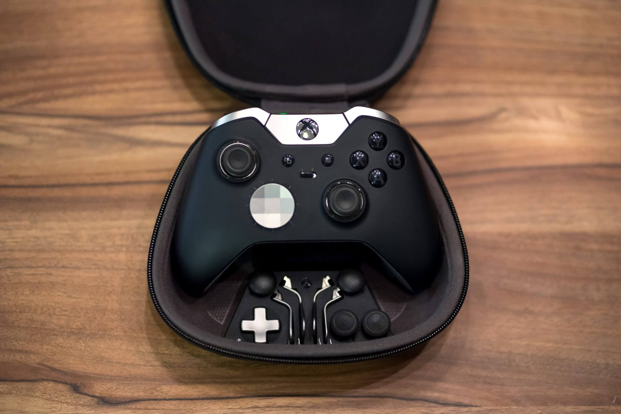 Xbox One X: Elite One Wireless Controller